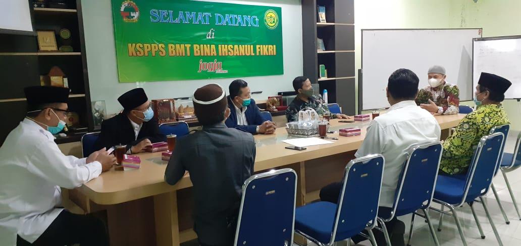 Penandatanganan Kerja Sama YEWI + BWI Kota Yogyakarta + DMI DIY